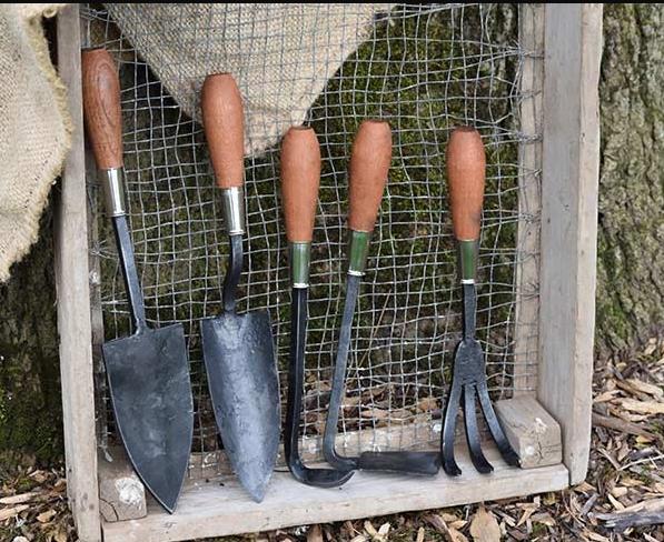 Hand Trowel Storage