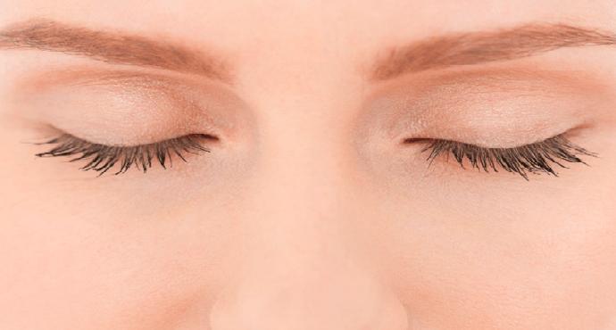 Blinking the eyes